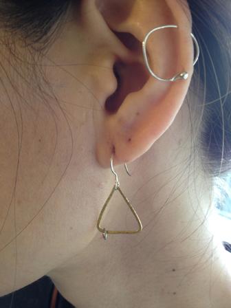 三角ピアス